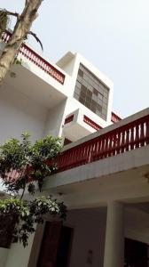 Gallery Cover Image of 6000 Sq.ft 5 BHK Villa for rent in Sector 7 for 90000