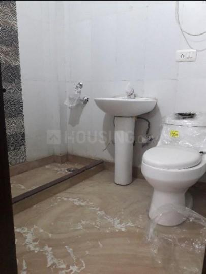 Common Bathroom Image of 1500 Sq.ft 3 BHK Apartment for rent in Vaishali for 25000