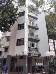 Gallery Cover Image of 650 Sq.ft 1 BHK Apartment for rent in Wishram Apartment, Khar West for 55000