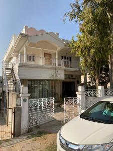 Gallery Cover Image of 2500 Sq.ft 4 BHK Independent House for buy in Mahavirnagar for 10000000
