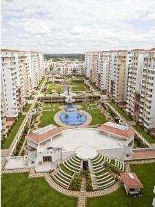 Gallery Cover Image of 1600 Sq.ft 3 BHK Apartment for rent in Puravankara Purva Fountain Square, Marathahalli for 35000