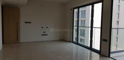 Gallery Cover Image of 2050 Sq.ft 4 BHK Apartment for rent in Bandra East for 275000