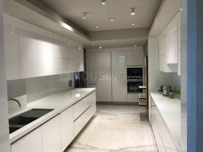 Gallery Cover Image of 2100 Sq.ft 3 BHK Apartment for buy in Khar West for 77000000