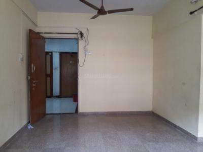 Gallery Cover Image of 570 Sq.ft 1 BHK Apartment for rent in Kandivali East for 20000