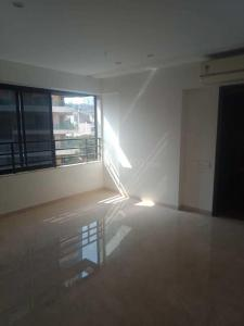 Gallery Cover Image of 1350 Sq.ft 3 BHK Apartment for rent in Khar West for 160000