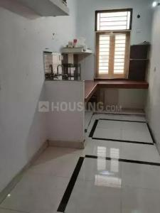 Gallery Cover Image of 750 Sq.ft 1 BHK Apartment for rent in Vishnu Garden for 11000