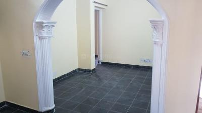 Gallery Cover Image of 1000 Sq.ft 2 BHK Apartment for rent in Arun Vihar , Sector 37 for 15000