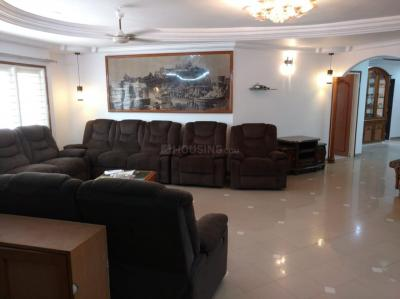 Gallery Cover Image of 2950 Sq.ft 4 BHK Apartment for rent in Navrangpura for 50000