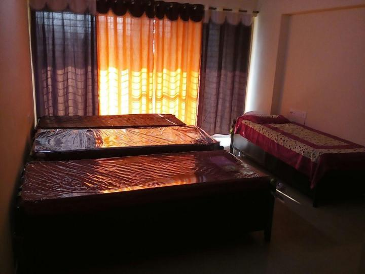 Bedroom Image of Vijay Kapoor Hospitality PG in Kandivali West