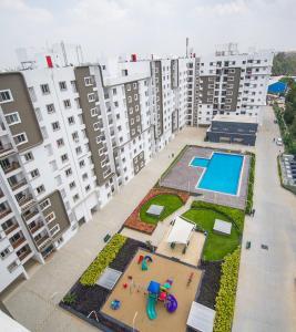 Gallery Cover Image of 1419 Sq.ft 3 BHK Apartment for rent in Bren Bren Avalon, Kartik Nagar for 35000