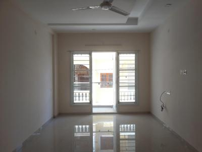 Gallery Cover Image of 1200 Sq.ft 2 BHK Apartment for rent in Cox Town for 28000