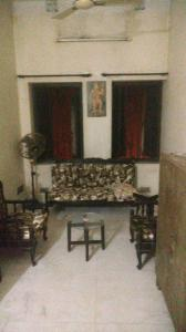 Gallery Cover Image of 750 Sq.ft 2 BHK Independent Floor for buy in Kalighat for 8500000