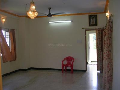 Gallery Cover Image of 1200 Sq.ft 2 BHK Apartment for rent in Velachery for 18000