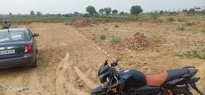 600 Sq.ft Residential Plot for Sale in Noida Extension, Greater Noida
