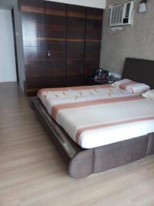 Gallery Cover Image of 1050 Sq.ft 2 BHK Apartment for buy in Godrej Prime, Chembur for 17500000