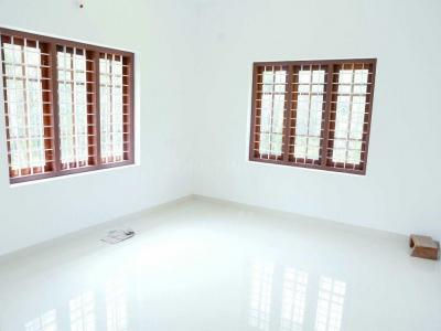Gallery Cover Image of 1750 Sq.ft 4 BHK Villa for buy in Kalpathy for 3000000