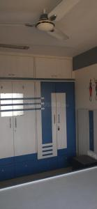 Gallery Cover Image of 600 Sq.ft 1 BHK Apartment for rent in Sethia Sethia Sea View C And D Wing, Goregaon West for 35000