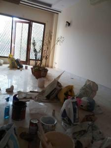 Gallery Cover Image of 2000 Sq.ft 3 BHK Independent Floor for rent in Chittaranjan Park for 65000