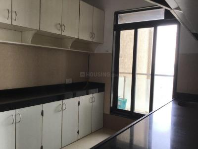 Gallery Cover Image of 1300 Sq.ft 3 BHK Apartment for rent in Malad West for 60000