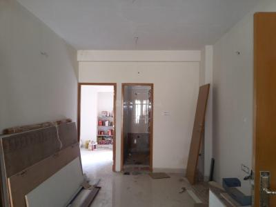 Gallery Cover Image of 880 Sq.ft 2 BHK Apartment for rent in Valasaravakkam for 25000