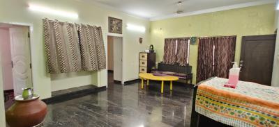 Bedroom Image of Nakshatra Women's Hostel in Arumbakkam
