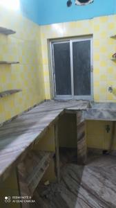 Kitchen Image of 620 Sq.ft 2 BHK Independent Floor for rent in Tangra for 13000