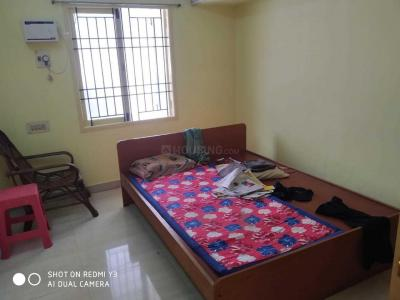 Gallery Cover Image of 970 Sq.ft 2 BHK Apartment for rent in Vadapalani for 20000