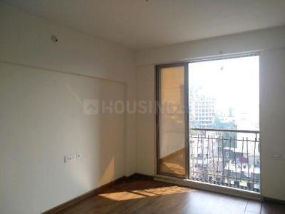 Gallery Cover Image of 480 Sq.ft 1 BHK Apartment for rent in Vinayak Raghvendra CHS, Santacruz East for 28000