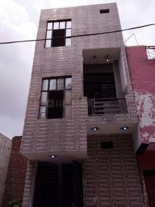 Gallery Cover Image of 920 Sq.ft 4 BHK Independent House for buy in Sector 52 for 2600000