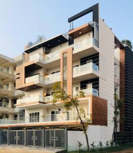 Gallery Cover Image of 1600 Sq.ft 3 BHK Independent Floor for buy in Sector 50 for 13900000