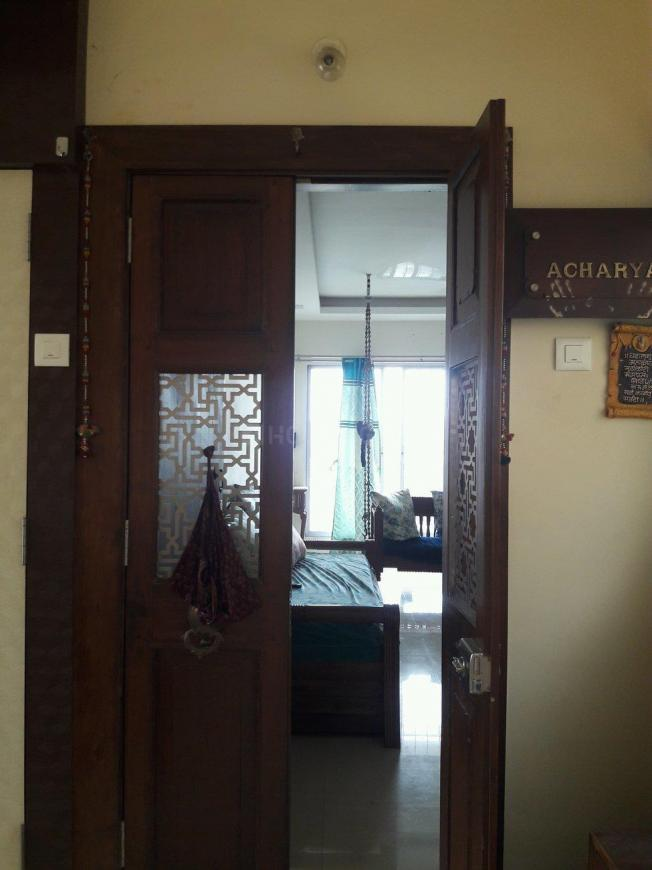 Main Entrance Image of 1000 Sq.ft 2 BHK Apartment for buy in Borivali West for 18600000