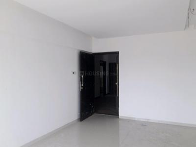 Gallery Cover Image of 850 Sq.ft 2 BHK Apartment for buy in Malad East for 13700000