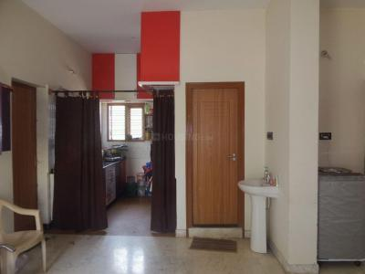 Gallery Cover Image of 1000 Sq.ft 2 BHK Apartment for rent in Agrahara Layout for 14000