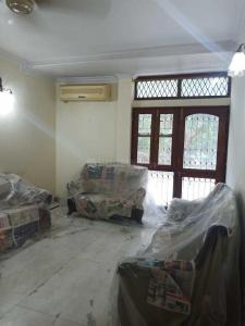 Gallery Cover Image of 1600 Sq.ft 3 BHK Apartment for rent in Vasant Kunj for 60000