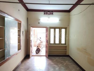 Gallery Cover Image of 1000 Sq.ft 2 BHK Independent House for rent in Karkhana for 10000