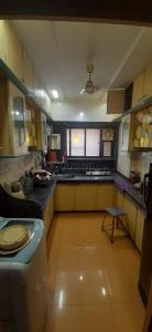 Gallery Cover Image of 900 Sq.ft 2 BHK Apartment for rent in Fortune Heritage, Bandra West for 75000