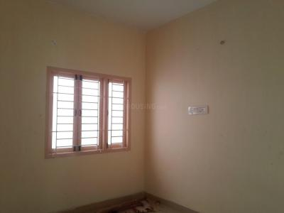 Gallery Cover Image of 610 Sq.ft 1 BHK Apartment for buy in Surappattu for 2684000