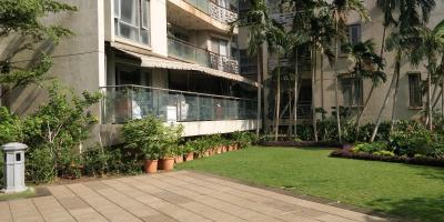 Gallery Cover Image of 3000 Sq.ft 4 BHK Apartment for buy in Goregaon West for 39900000