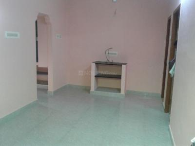 Gallery Cover Image of 850 Sq.ft 2 BHK Apartment for rent in Choolaimedu for 15000