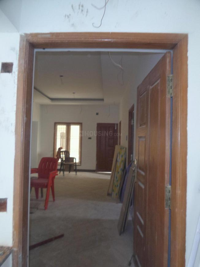Main Entrance Image of 1013 Sq.ft 2 BHK Apartment for rent in Maduravoyal for 25000
