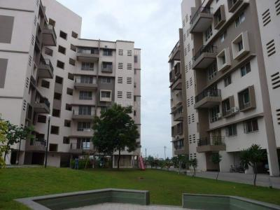 Gallery Cover Image of 1100 Sq.ft 2 BHK Apartment for rent in Madhuban Satin Brick, Kharadi for 20000