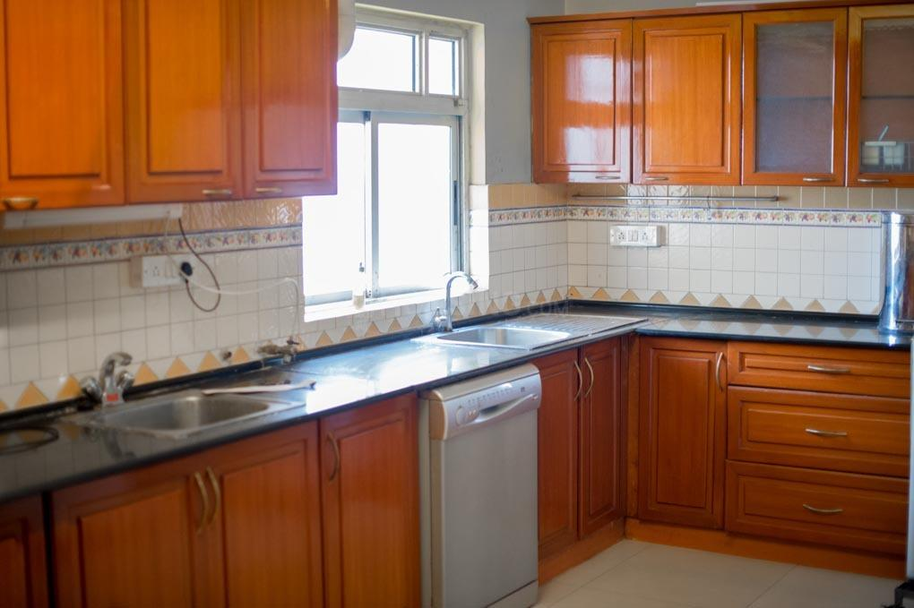 Kitchen Image of 3100 Sq.ft 3 BHK Apartment for rent in Vasanth Nagar for 125000