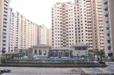 Gallery Cover Image of 596 Sq.ft 1 RK Apartment for buy in Ajnara Grand Heritage, Sector 74 for 2795000