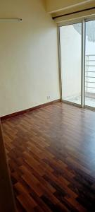 Gallery Cover Image of 825 Sq.ft 2 BHK Apartment for rent in Paras Tierea, Sector 137 for 9500
