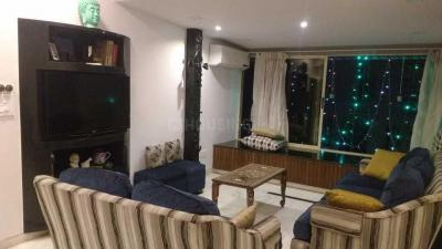 Gallery Cover Image of 1350 Sq.ft 3 BHK Apartment for rent in Chanchal Smruti, Dadar East for 115000