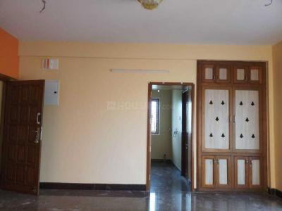 Gallery Cover Image of 1100 Sq.ft 2 BHK Apartment for rent in Ramapuram for 16000