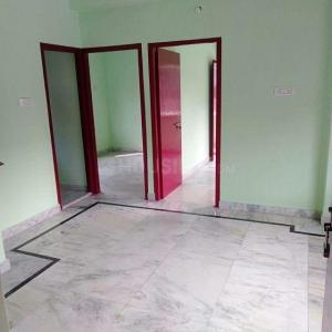 Gallery Cover Image of 800 Sq.ft 2 BHK Apartment for rent in Tangra for 10000