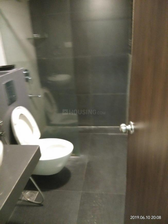Common Bathroom Image of 1050 Sq.ft 2 BHK Apartment for rent in Vikhroli West for 45000