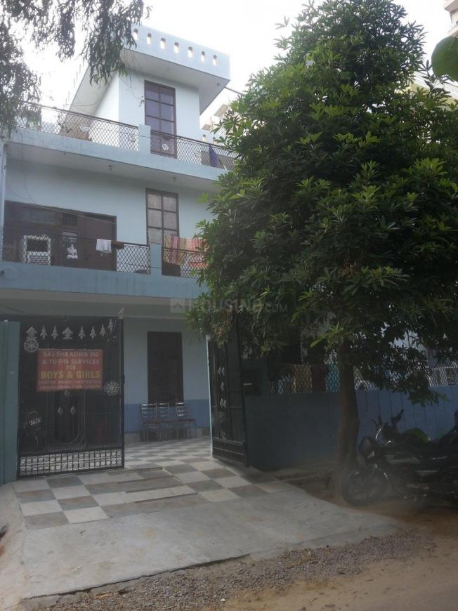 Building Image of Sai Shradha PG in Alpha I Greater Noida