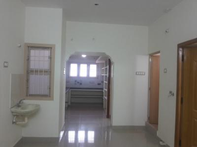Gallery Cover Image of 750 Sq.ft 2 BHK Apartment for rent in Madipakkam for 10000
